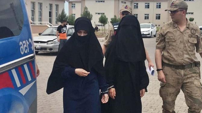 Photo of İşid İle Bağlantısı Olan  2 Kadın Şanlıurfa Akçakale İlçesinde Yakalandı