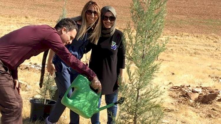 Photo of Öğretmenleri ve Öğrencilerinden Ağaçlandırma Seferberliğine Önemli Katkı