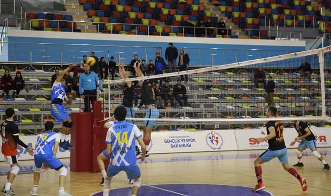 Photo of Haliliye Voleybol Takımı, Payas'ı 3-0 Geçti