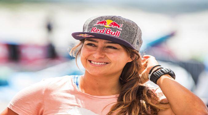 Photo of Rüzgar Sörfçüsü Lena Erdil'den Büyük Başarı